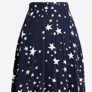J Crew size 12 pleated navy & white skirt NWT